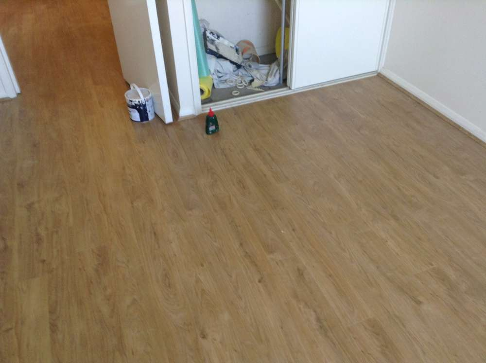 Laminate Flooring by Edwards Flooring in Bromley (3)