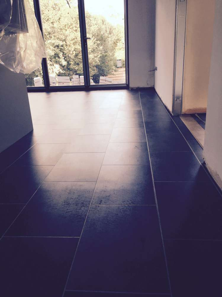 Luxury Vinyl Tiles like Amtico and Karndean by Edwards Flooring in Bormley (13)