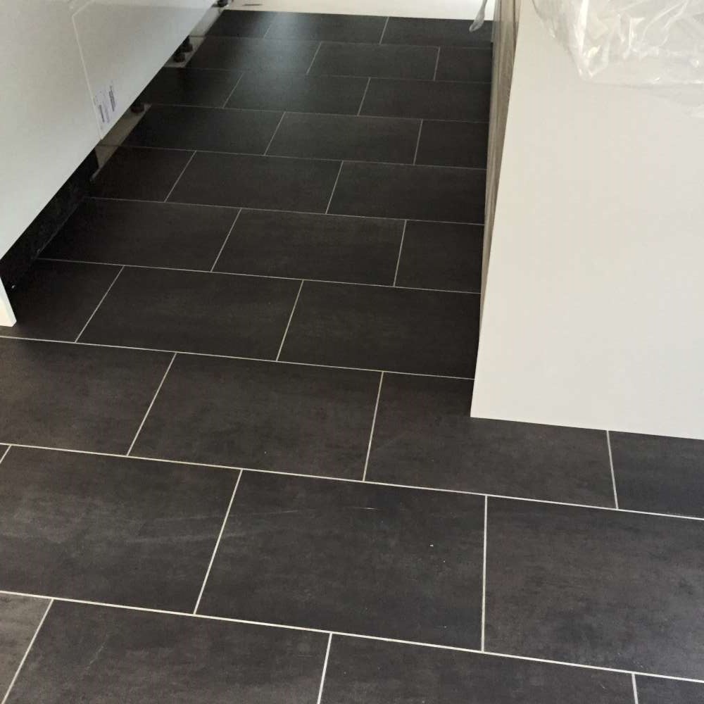 Luxury Vinyl Tiles like Amtico and Karndean by Edwards Flooring in Bormley (14)