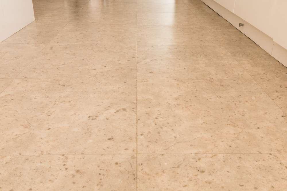 Luxury Vinyl Tiles like Amtico and Karndean by Edwards Flooring in Bormley (4)
