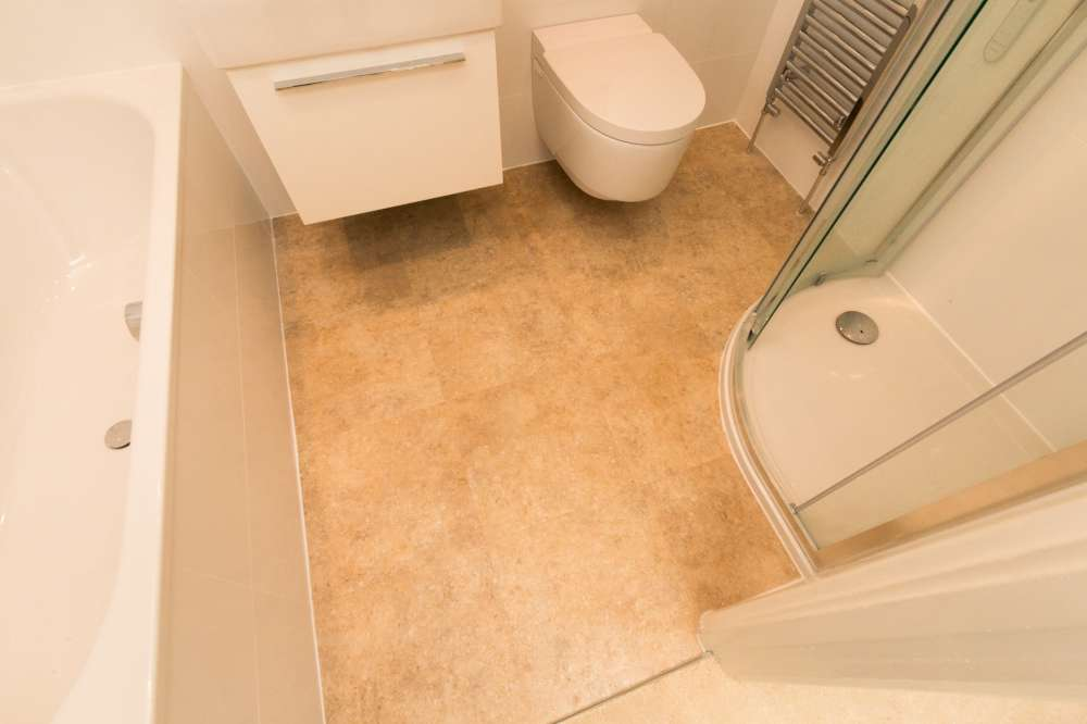 Luxury Vinyl Tiles like Amtico and Karndean by Edwards Flooring in Bormley (5)