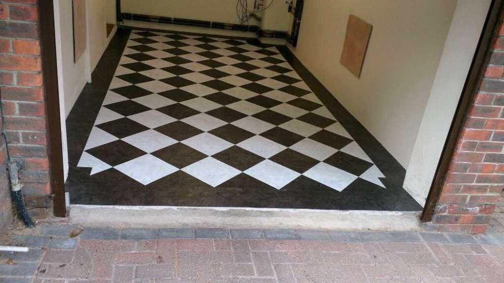 Luxury Vinyl Tiles like Amtico and Karndean by Edwards Flooring in Bormley (9)